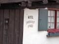 Das schiefe Hotel