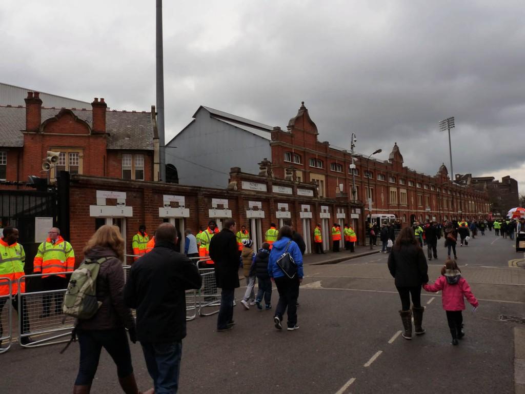 Fulham FC und sein Craven Cottage von außen