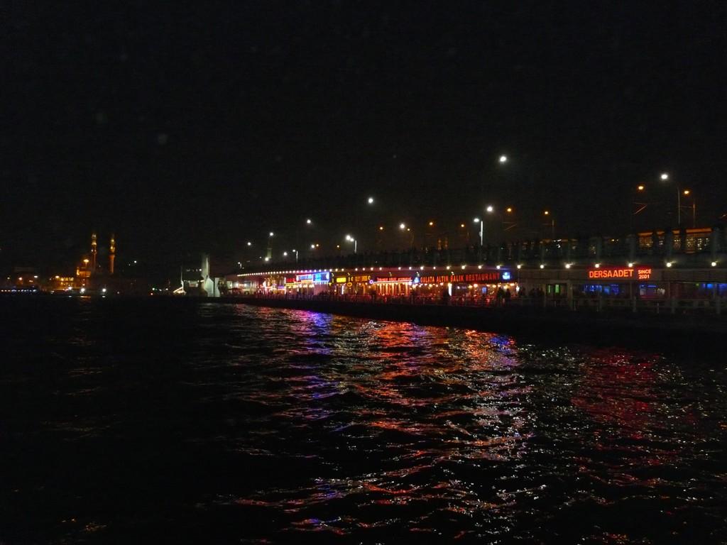 Galata Brücke bei Nacht