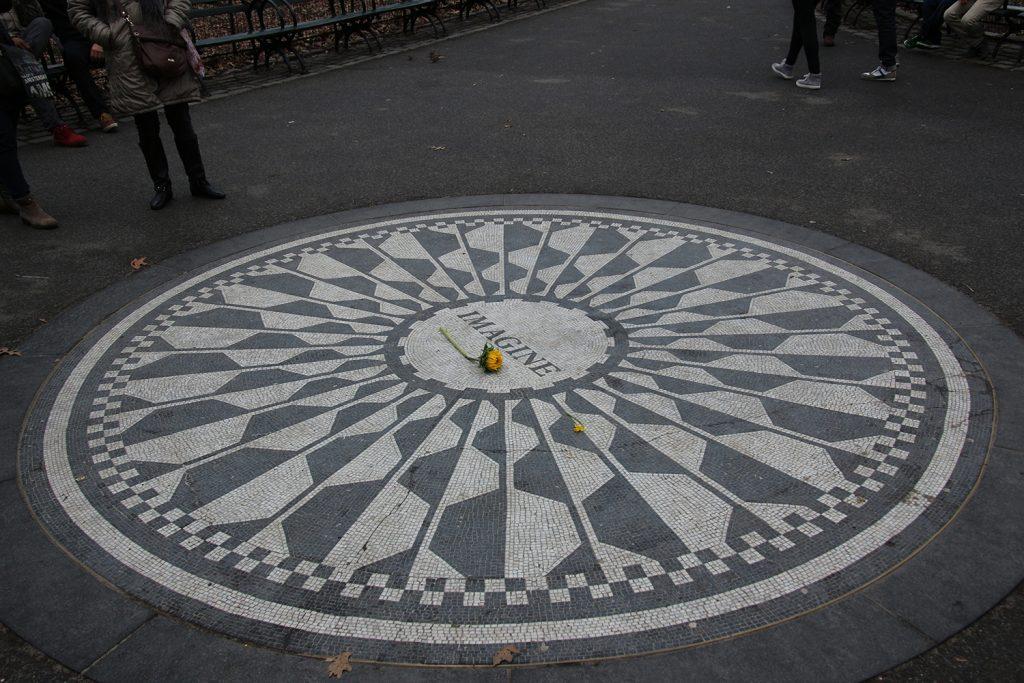 Ein Denkmal für John Lennon - das Strarberry Fields