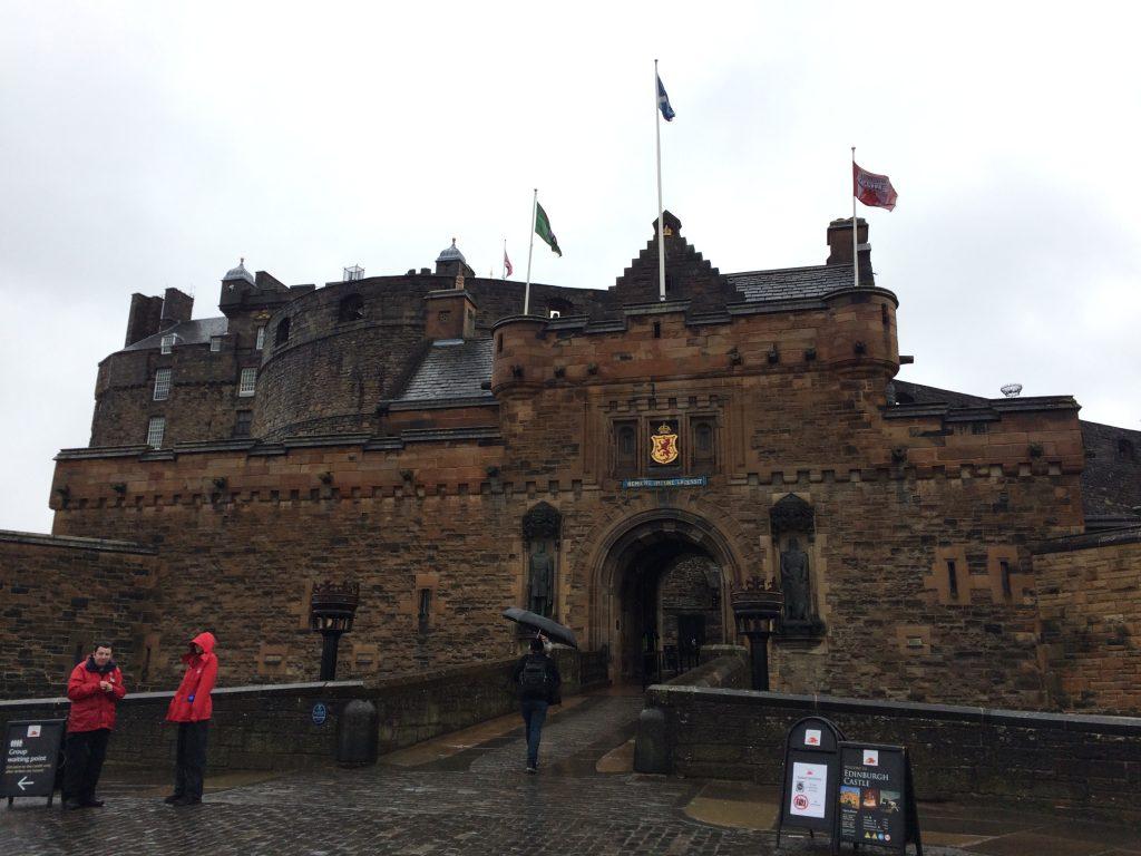 Der Eingang zum Edinburgh Castle