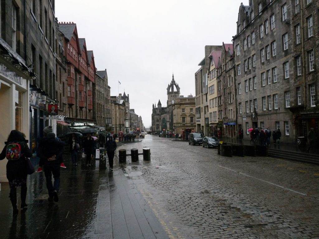 Die Royal Mile in Edinburgh
