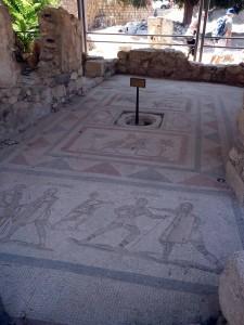 Bodenmosaik bei den westlichen Ausgrabungen