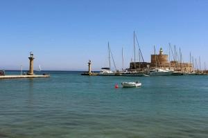 Die Wappentiere und das jetzige Koloss von Rhodos im Mandraki Hafen