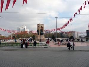 Taksim-Platz und das Denkmal der Republik