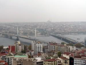 Blick vom Galata-Turm auf die Galata-Brücke