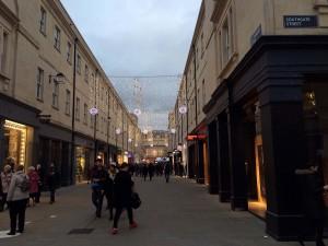 Weihnachtsbeleuchtung am South Gate