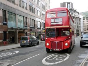 Ein alter London-Bus