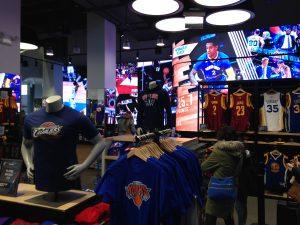 Im NBA Store auf der 5th Avenue