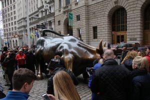 Viel los am Charging Bull