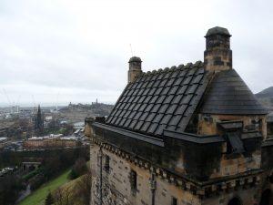 Der Blick vom Edinburgh Castle auf den Calton Hill